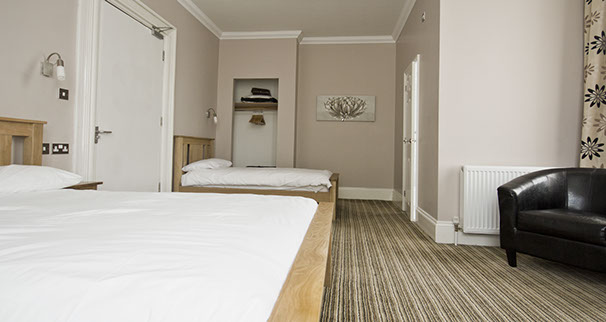 Twin bed double room Marlborough Guest House